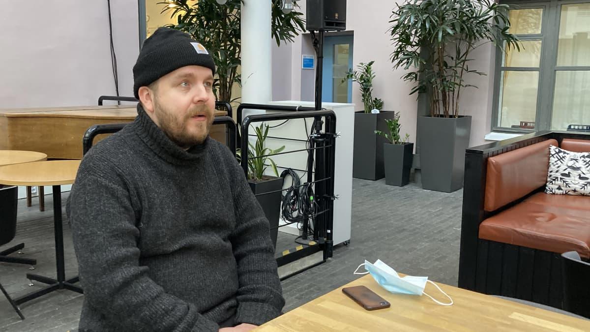 Valokuvaaja Antti J. Leinonen haastattelussa