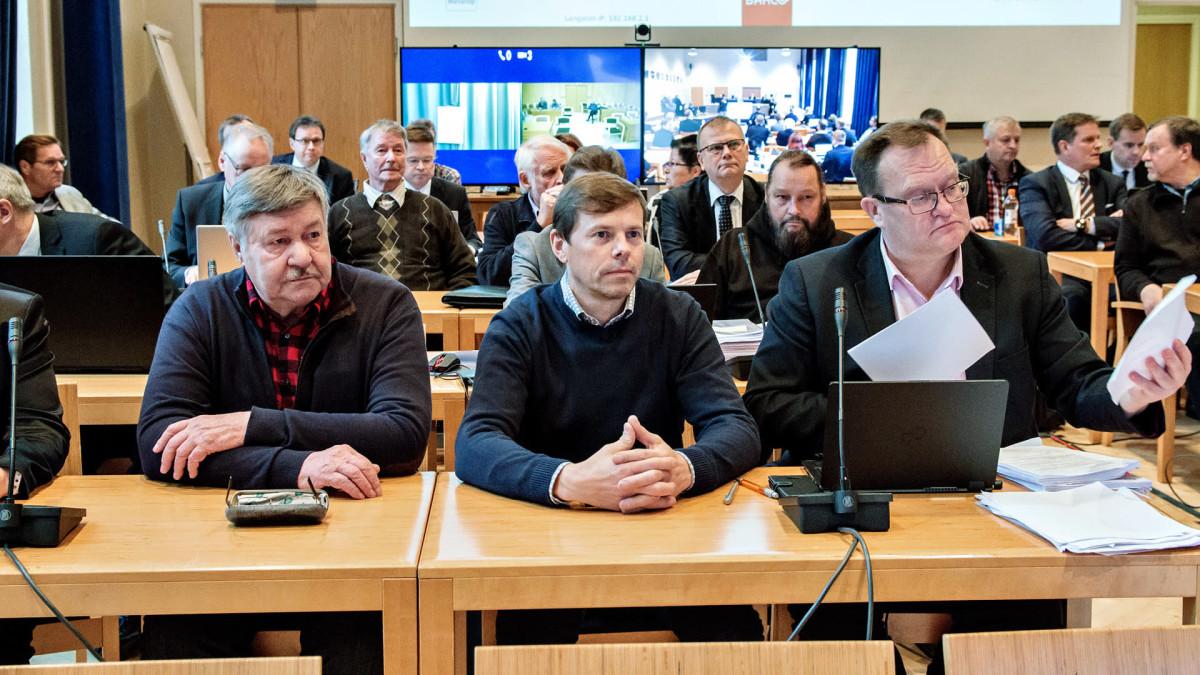 Kuva on otettu Lapin käräjäoikeudessa syyskuussa 2018, kun Anna Mäkelää kuultiin asianomistajana 27 kittiläläistä kuntapäättäjää koskevassa oikeudenkäynnissä.