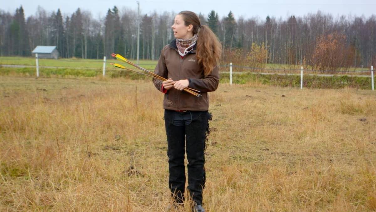 Hevosharrastaja Liisa Koivisto.