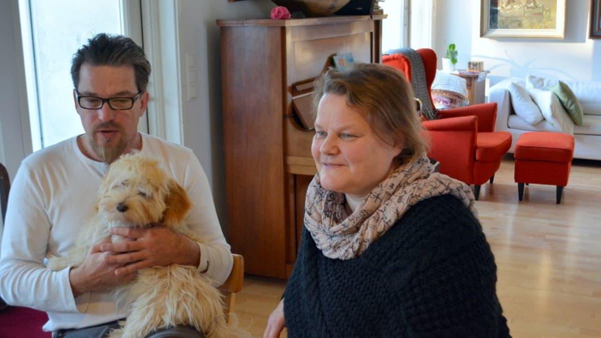 Pekka ja Liisa Hyry ja Minni-koira.