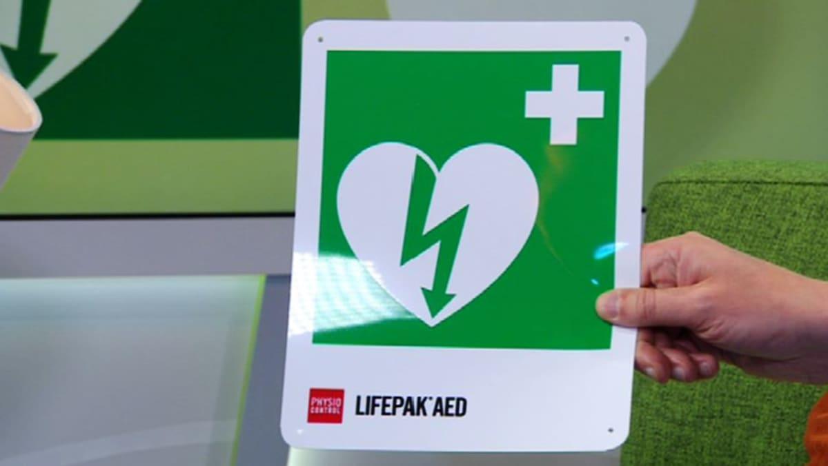 Defibrillaattorin merkki.