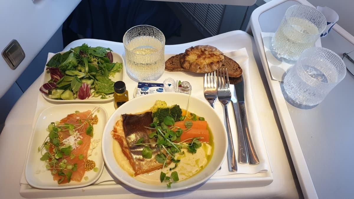 Finnair businessluokka ateria