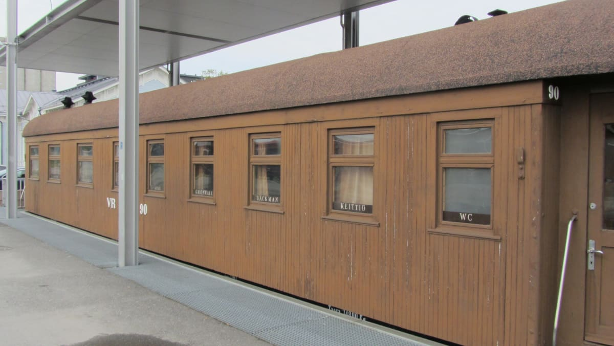 Mannerheimin salonkivaunu Mikkelin asemalla.