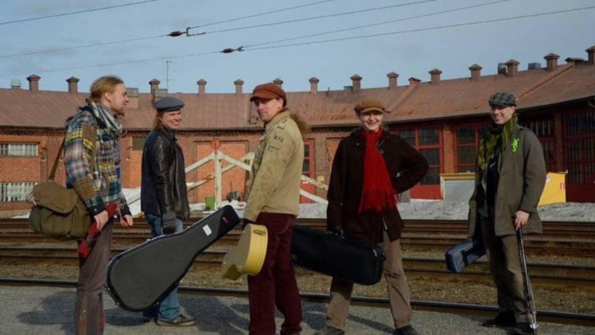 Kansanmusiikkiyhtye Paja.