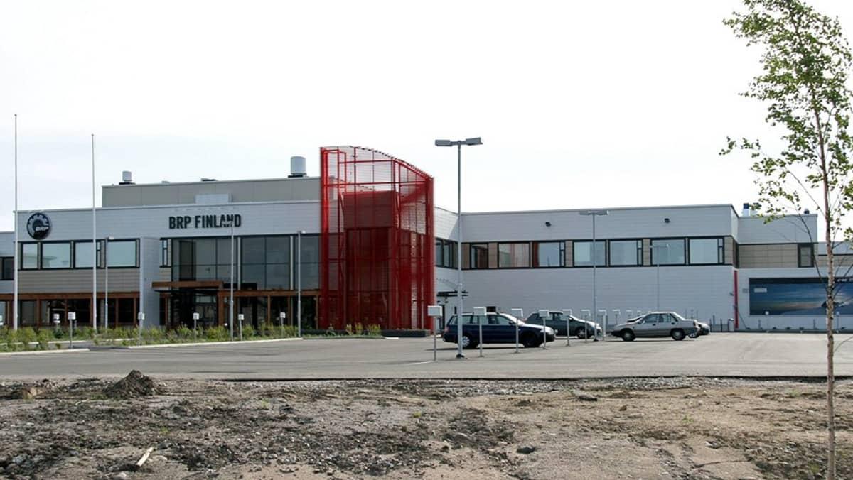BRP Finland Oy:n moottorikelkkatehdas Rovaniemellä.
