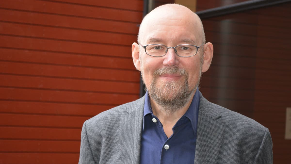 Emeritusprofessori Esko Valtaoja