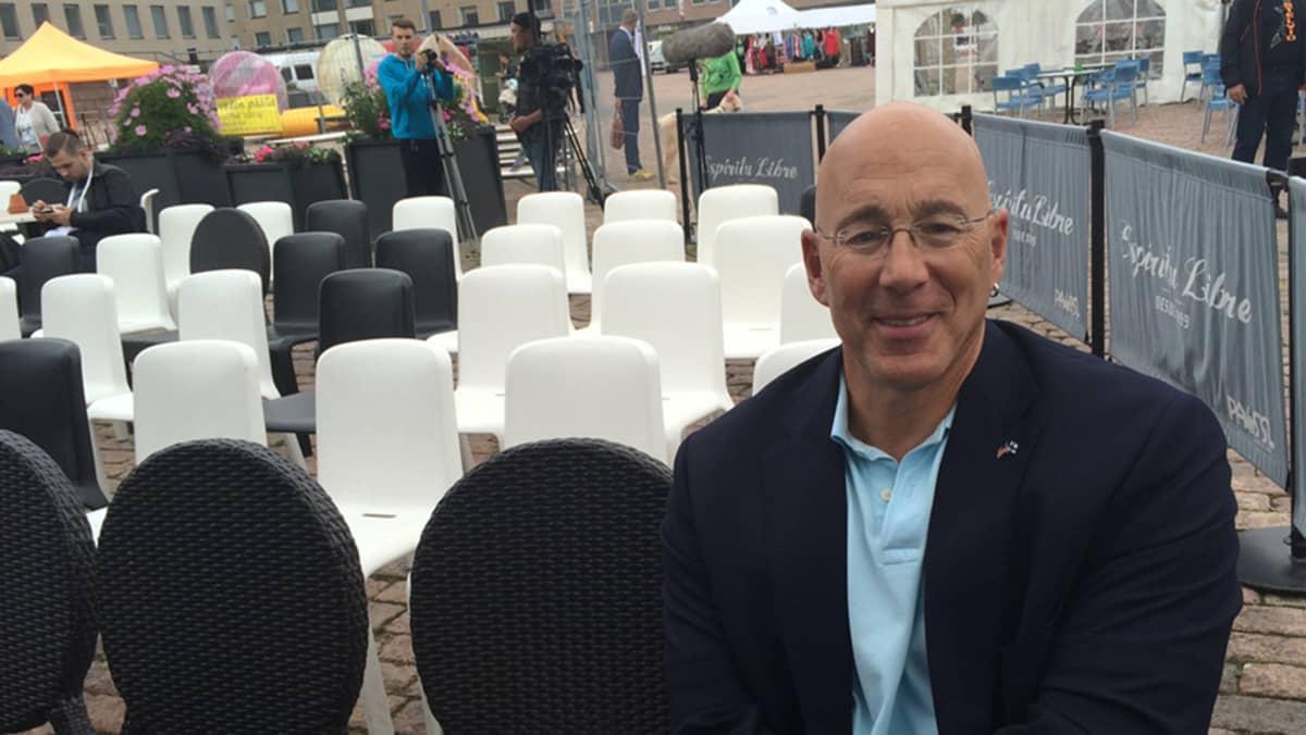 Bruce Oreck tuomaroi Kotkassa startup-yritysten kilpailua