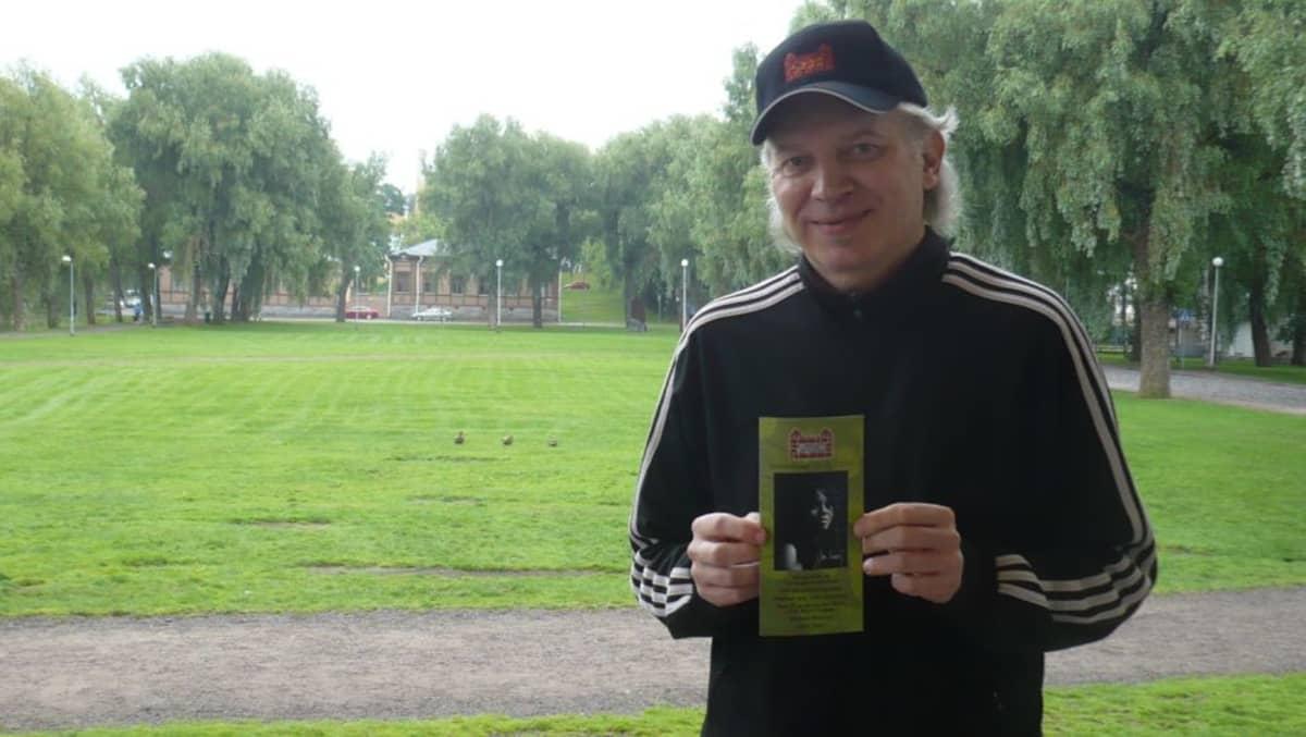 Linnajazzin taiteellinen johtaja Timo Lehto