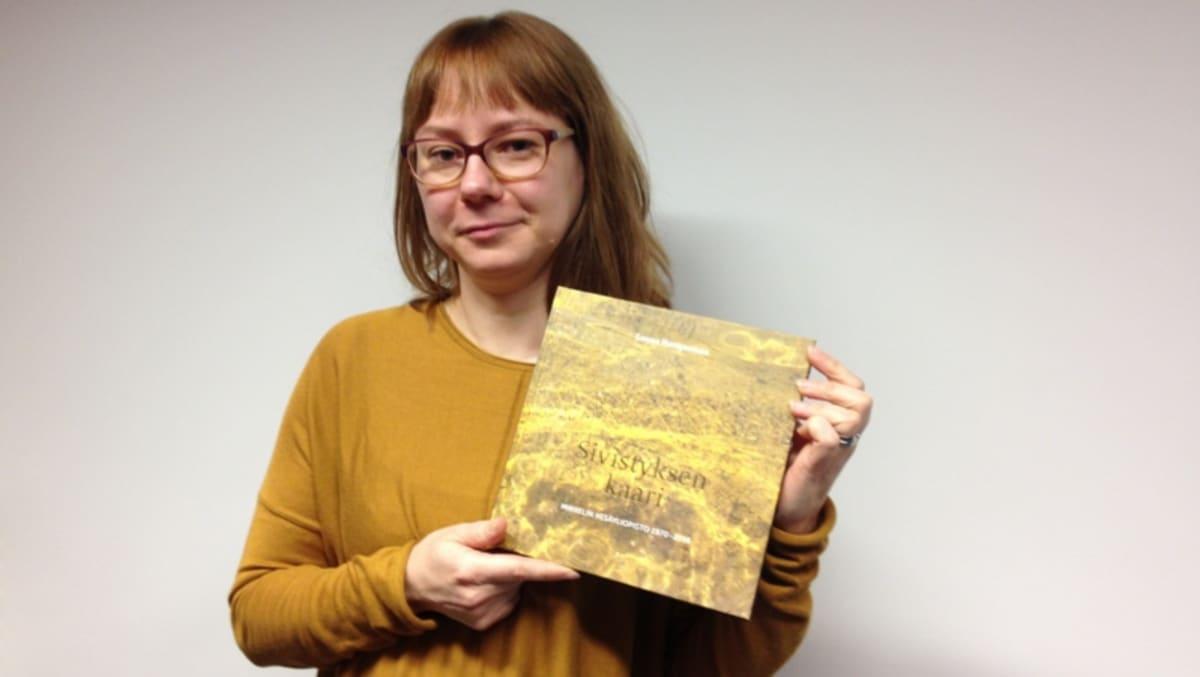 Kulttuurintutkija ja historiankirjoittaja Leena Hangasmaa.