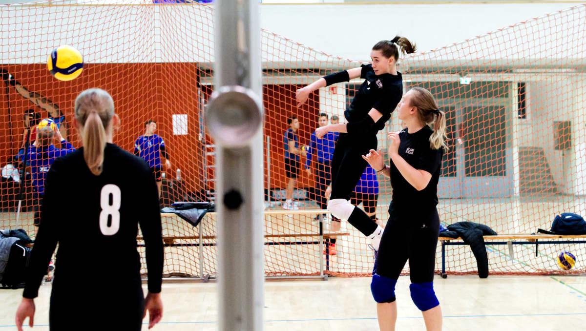 Helsinki Volleyn Mona Kokko treeneissä Kisahallissa Helsingissä.