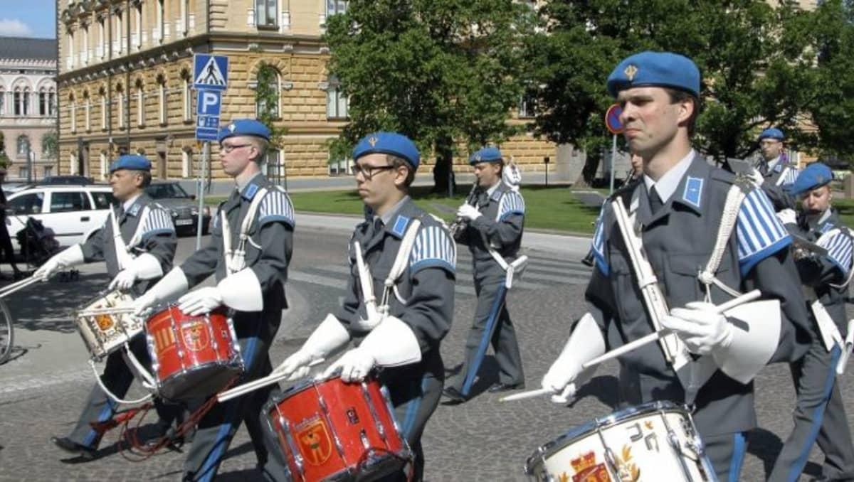 Pohjan ja Lapin sotilassoittokunnat Oulussa kesällä 2007.