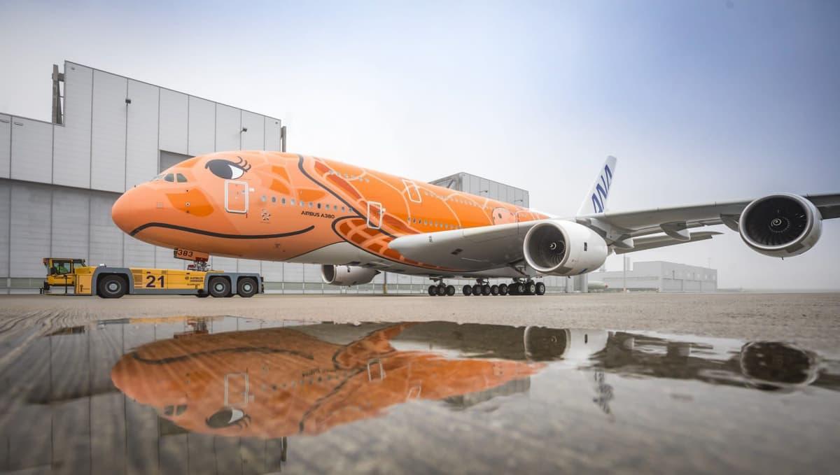 All Nippon Airwaysin Airbus A380 maalauksen jälkeen Airbusin Hampurin kentällä