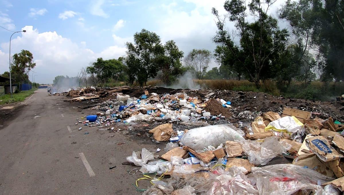 Laiton kaatopaikka Malesiassa
