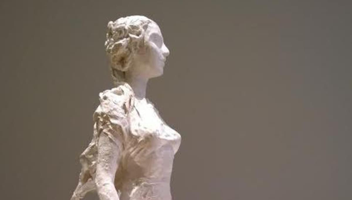 Osa Kaunis Veera patsaasta.