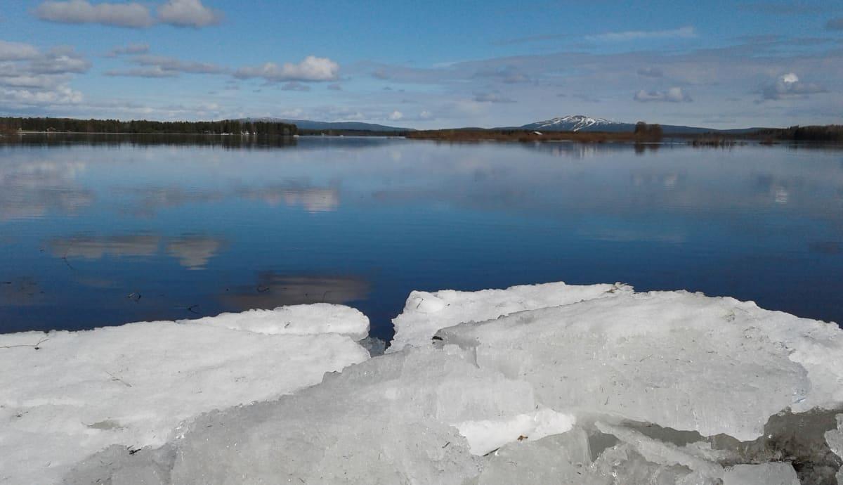 Kittilän Ounasjoki kevättulva