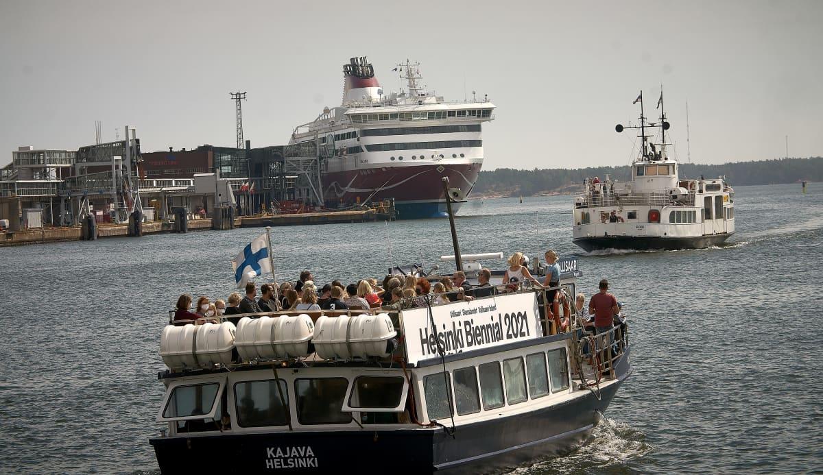 Turistivene Helsingin satamassa
