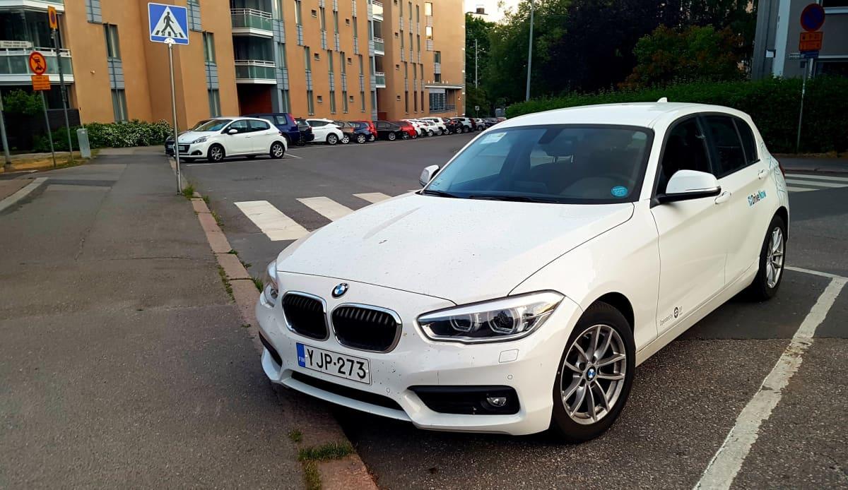 DriveNow'n yhteiskäyttöauto Helsingissä