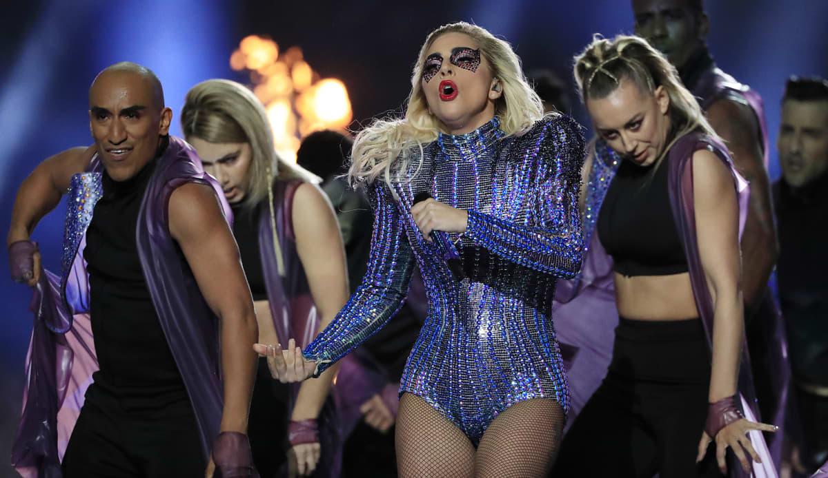 Lady Gaga esiintyy Super Bowlissa Teksasin Houstonissa. 5.2.2017.