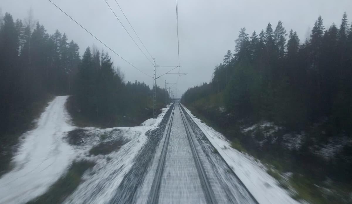 Rautatie Jyväskylästä Pieksämäelle