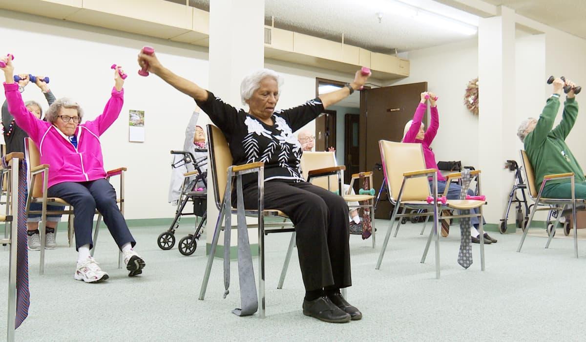 vanhukset voimistelevat