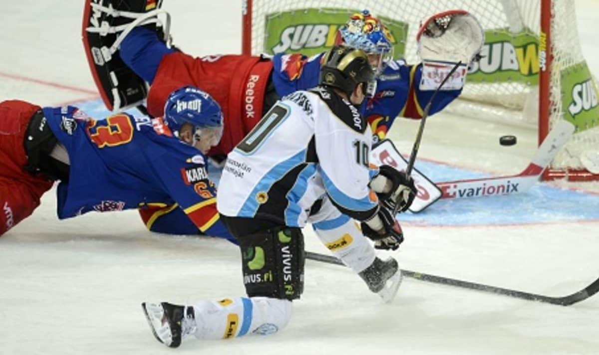 Kimmo Koskenkorva Jokerit-pelissä 5.3. 2014