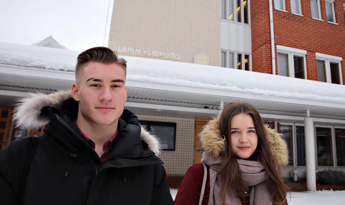 Oikeustieteen opiskelijat Mikael Suonio ja Elina Kuula.