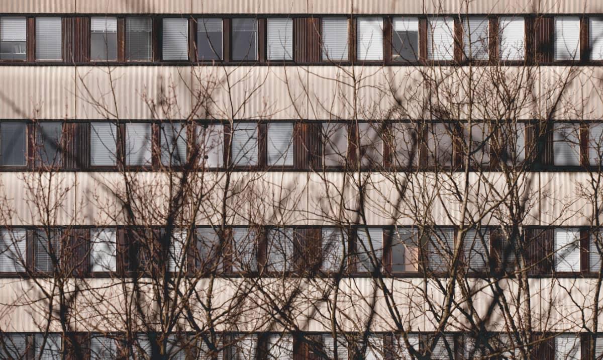 Turun yliopistollisen keskussairaalan ulkoseinä.