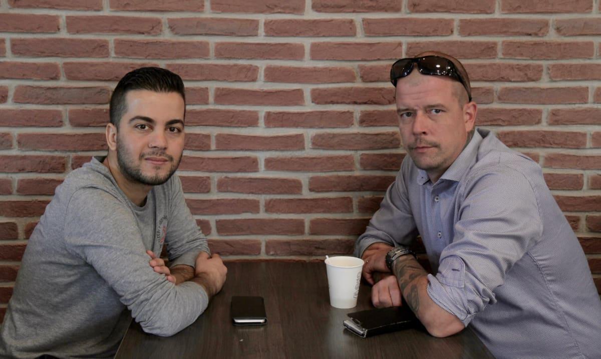 Shihab Ahmed ja Antti-Jussi Hirsimäki Seinäjoen arabikevät -elokuvassa