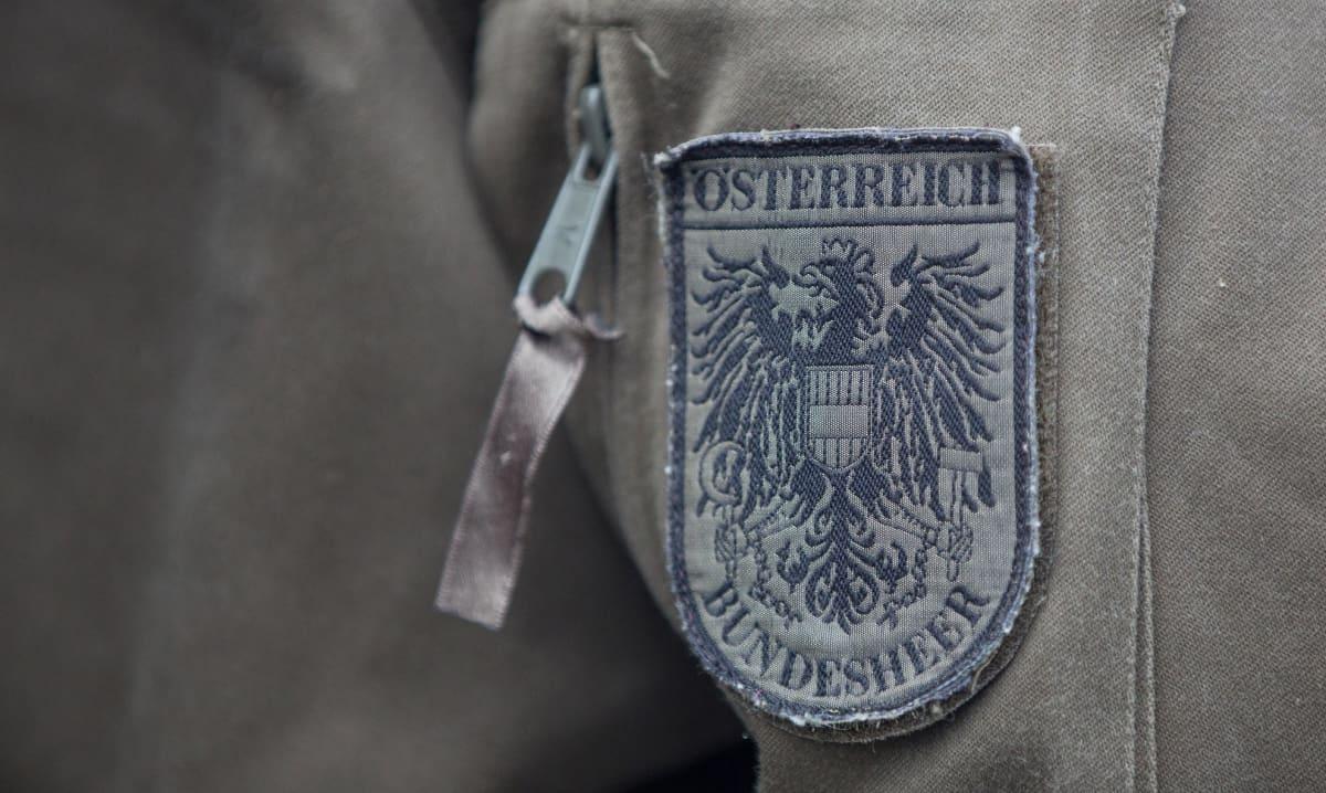 Itävallan asevoimien eli Bundesheerin tunnus. Arkistokuva.
