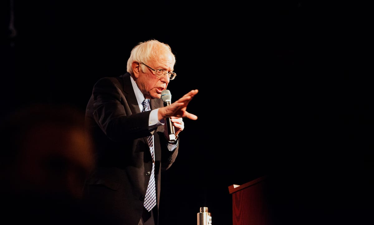 Bernie Sanders lavalla