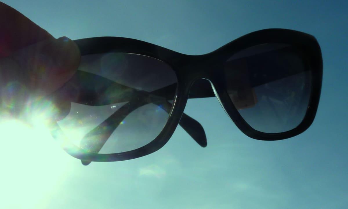 Aurinkolasit, kesä, valo