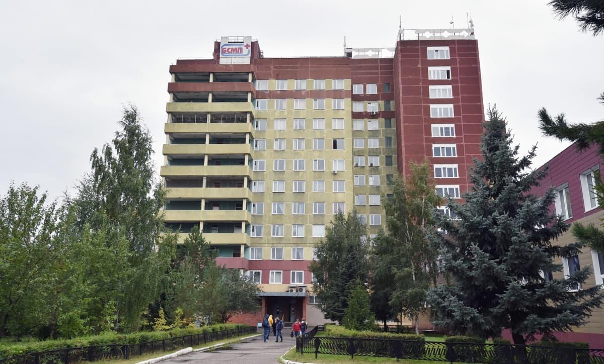 Navalnyi on hoidossa kuvassa olevassa Omskin sairaalassa Siperiassa.
