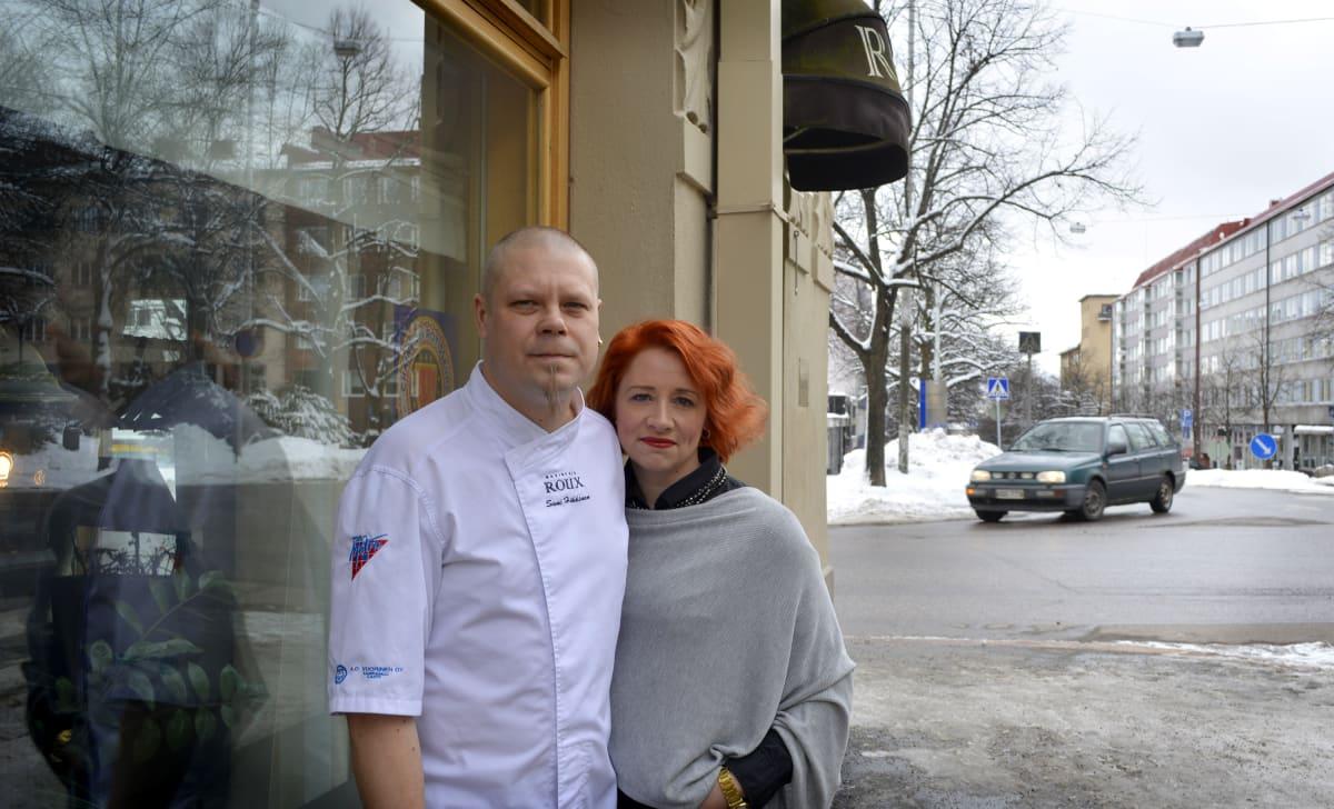 Sami ja Kati Häkkinen Rouxin edustalla.