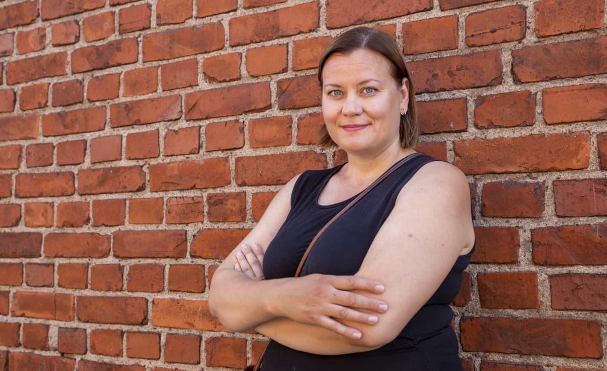 Feministipuolueen puheenjohtaja Katju Aro