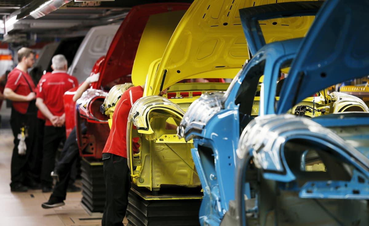 Porschen autotehdas Stuttgartissa Saksassa.