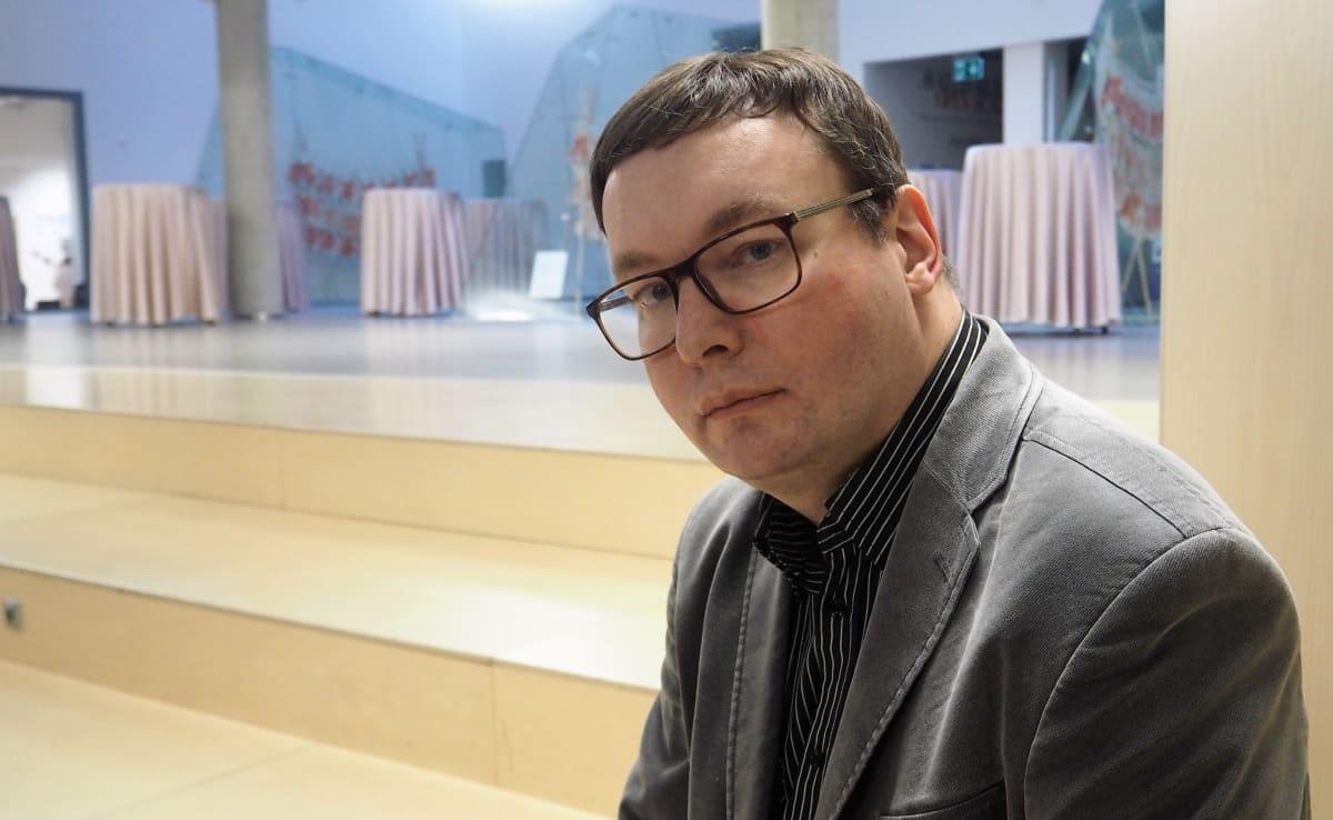 """""""EKRE muokkaa Viron keskustelukulttuuria ja asenneilmapiiriä"""", sanoo Tallinnan yliopiston apulaisprofessori Tõnis Saarts."""