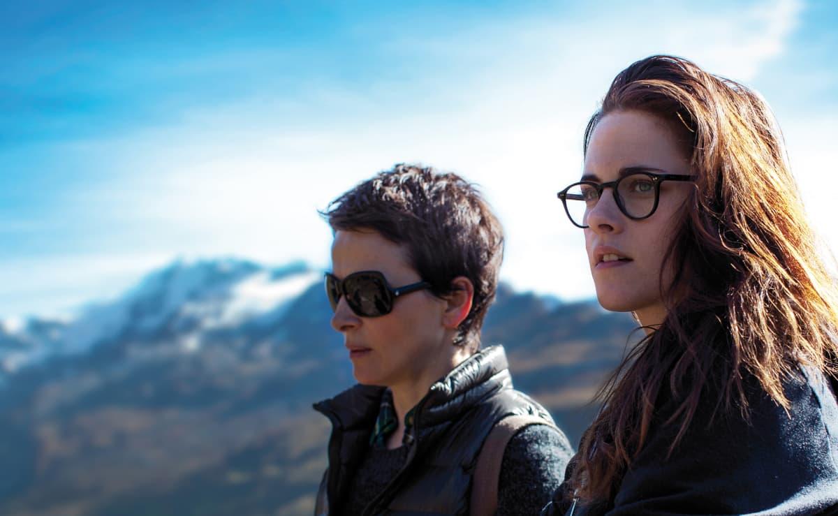 Kristen Stewart ja Juliette Binoche elokuvassa Clouds of Sils Maria.