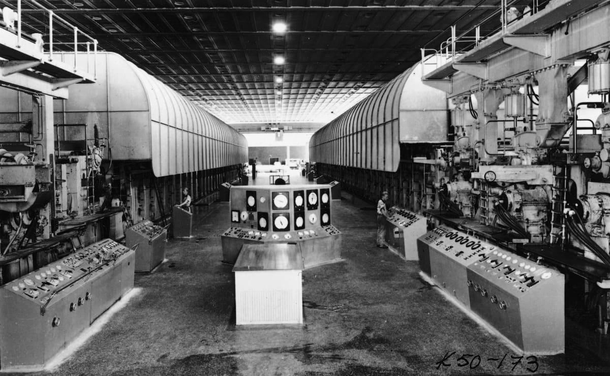 Kaipolan paperitehtaan koneet PK1 ja PK2 vuonna 1956.
