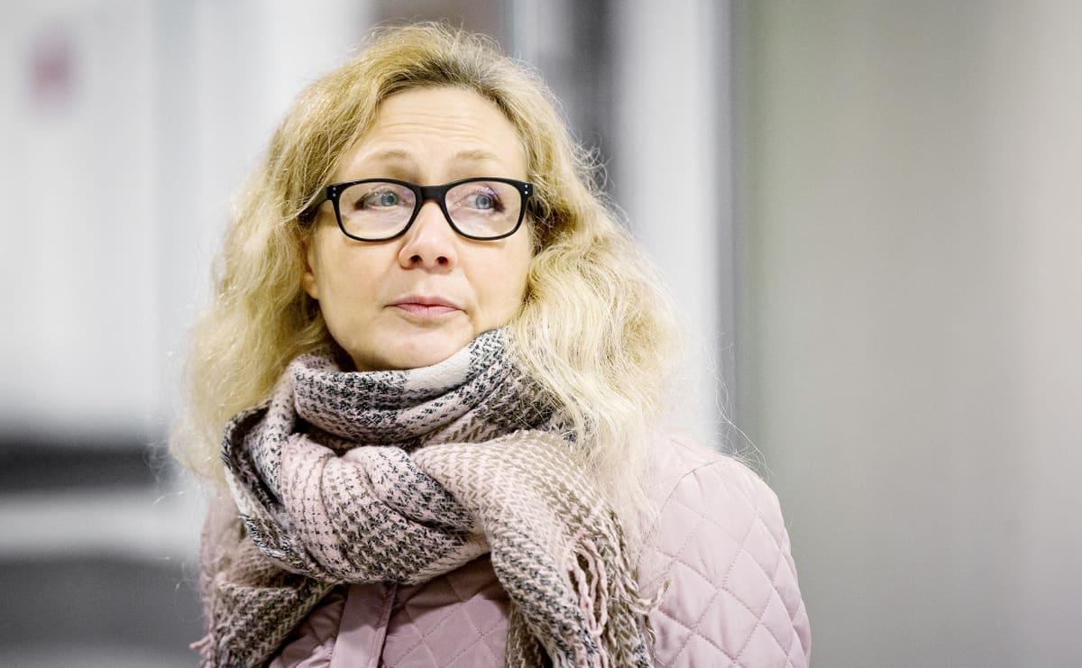 Anneli Auer Varsinais-Suomen käräjäoikeuden pääkäsittelyssä Turussa.