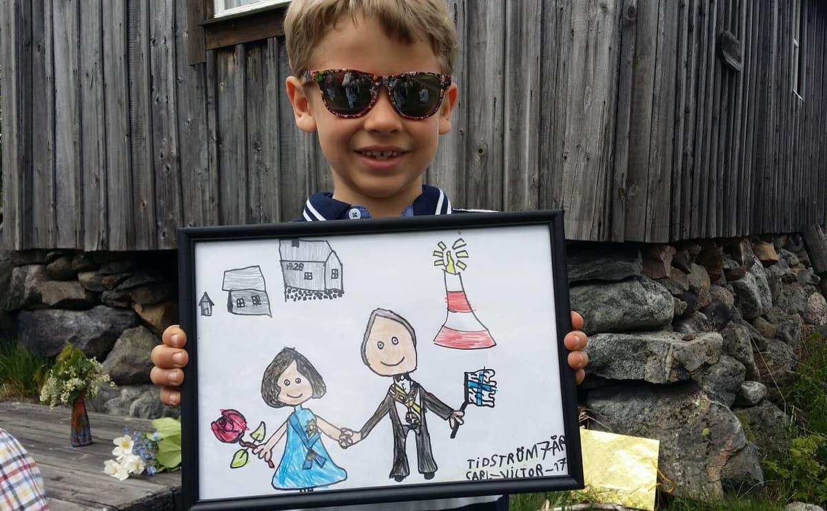 Vaasalainen 7-vuotias Carl-Viktor Tidström oli tehnyt taulun presidenttiparista.