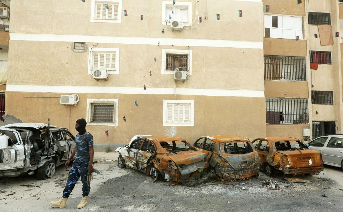 Hallituksen GNA-joukkojen sotilas Tripolissa.