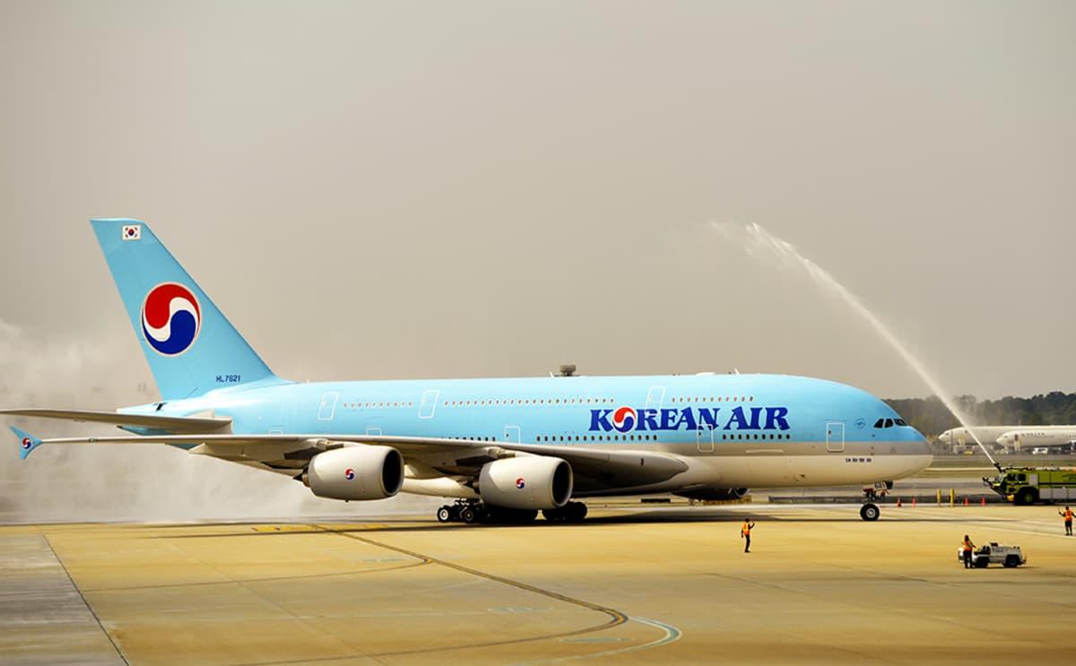 Korean Airin kone Atlantan kentällä.