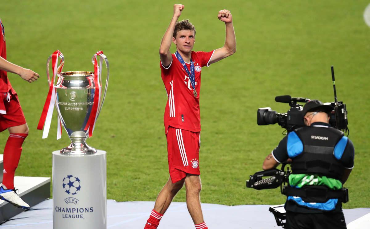 Thomas Müller tuulettaa Mestarien liigan voittoa.