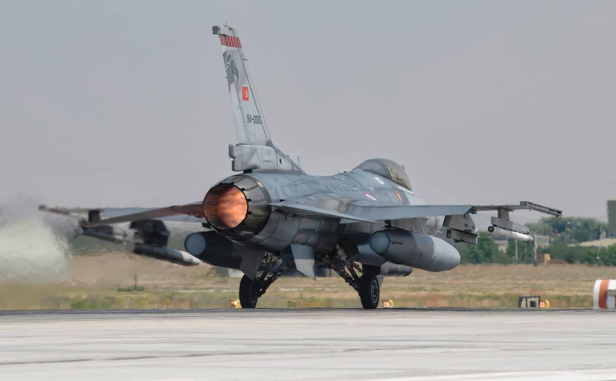 F-16 Fighting Falcon.