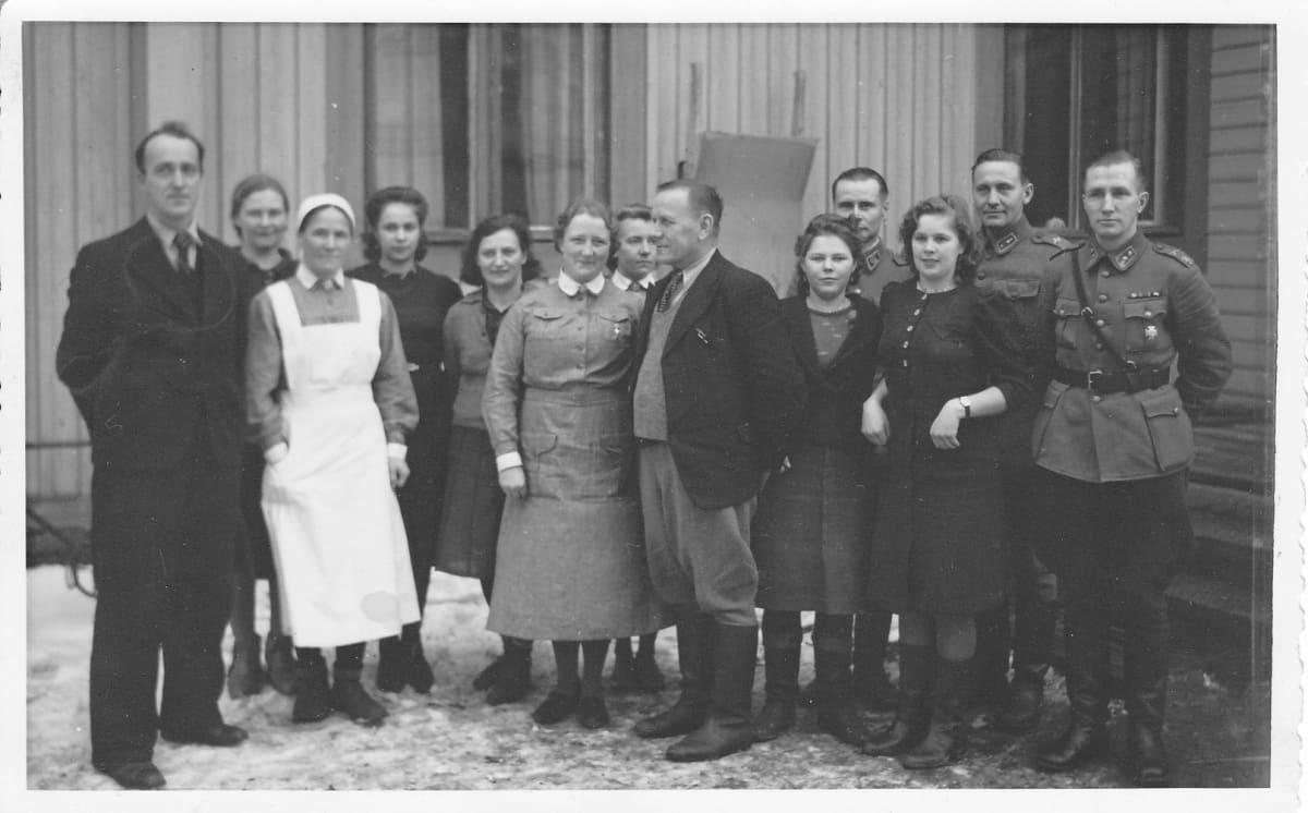 Henkilökuntaa internointileirillä Kauhavalla 10.9.-30.10.1944