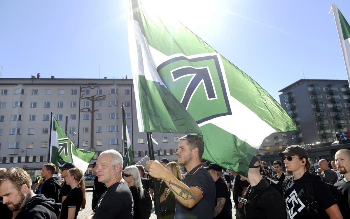 Pohjoismainen vastarintaliike järjestäytyi marssille Puutorilla Turussa lauantaina 18. elokuuta