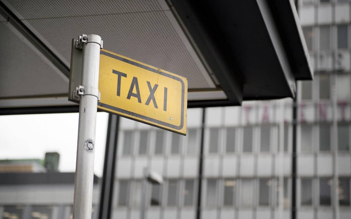 taksi kyltti