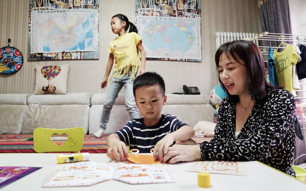 Xia Huilla on perhe, jollaisia Kiina haluaa lisää. Vajaa viisi vuotta sitten syntyneestä toisesta lapsesta piti vielä maksaa sakko.
