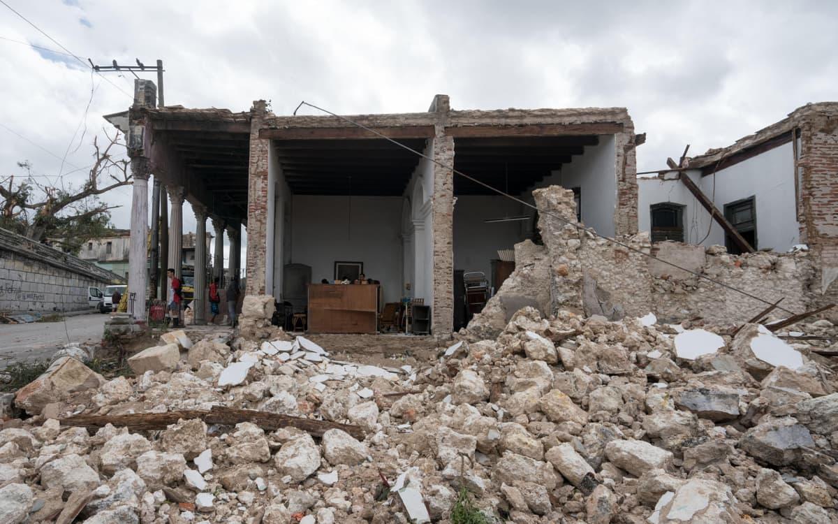 Tornado vei seinät Carlos Xavierin perheen kodista La Viborassa Havannassa. Edes jykevärakenteinen talo ei kestänyt Kuuban voimakkainta tornadoa sitten 1940-luvun.