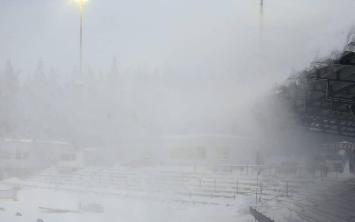 Lumimyräkkää Imatran Ukonniemessä 3. helmikuuta.